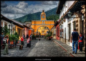 Nice-cobblestone-street-in-Antigua-Guatemala.jpg